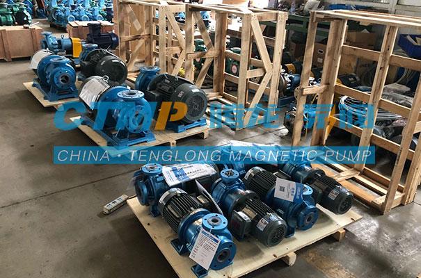 腾龙65TMF-50氟塑料磁力泵发往张家界高奇化工