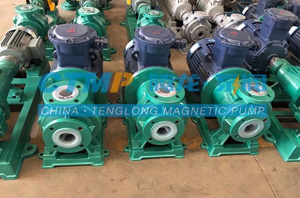 腾龙一批氟塑料泵发往北京超巡科技