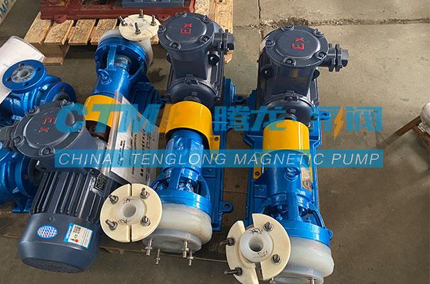 腾龙一批FSB氟塑料离心泵发往华油石油钻采设备