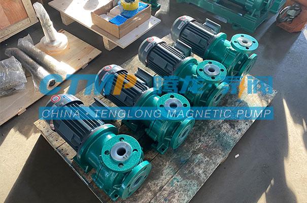 腾龙一批TMF氟塑料磁力泵发往上海沁联工贸