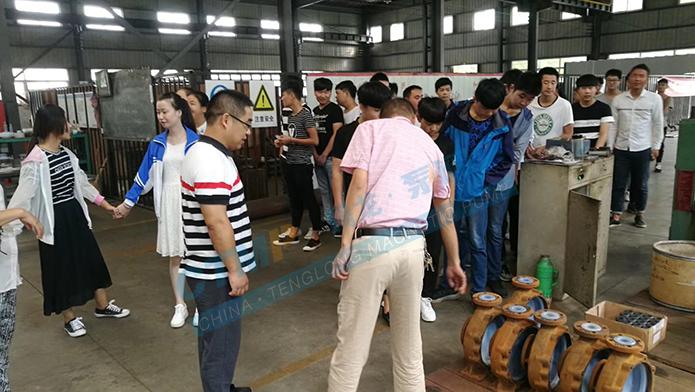 宣城市工业学校学生来腾龙泵阀学习参观